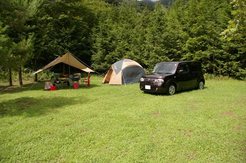 西湖キャンプ場テント村テントとタープとクルマ